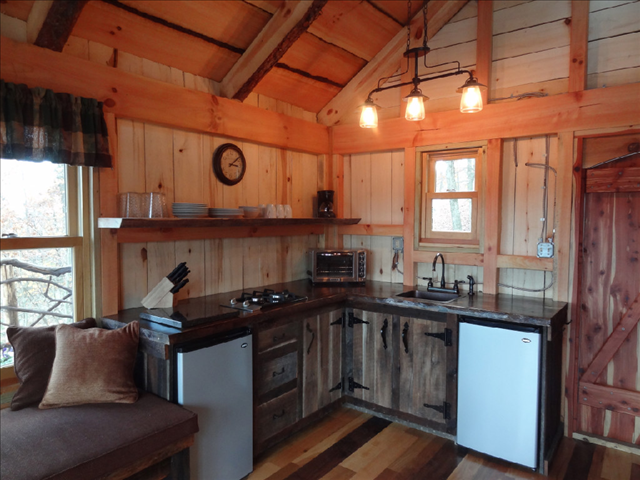 Cozy Treehouse Honey Moon Suite The Grand Barn At The